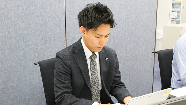 株式会社ユニオンシンクの自社サービス「デザイナーシリーズ」を語るS.Hさん